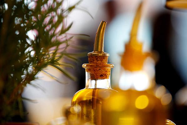 Olivenoel 2 in Öle in der Italienischen Küche
