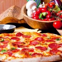 Pizza Salami – knusprige Salamipizza